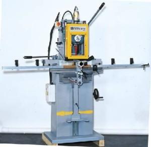 Framar-verticale-gatensteekmachine-MB1